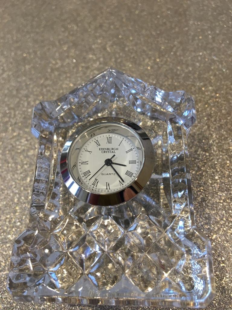 Mini Edinburgh-crystal mantle clock