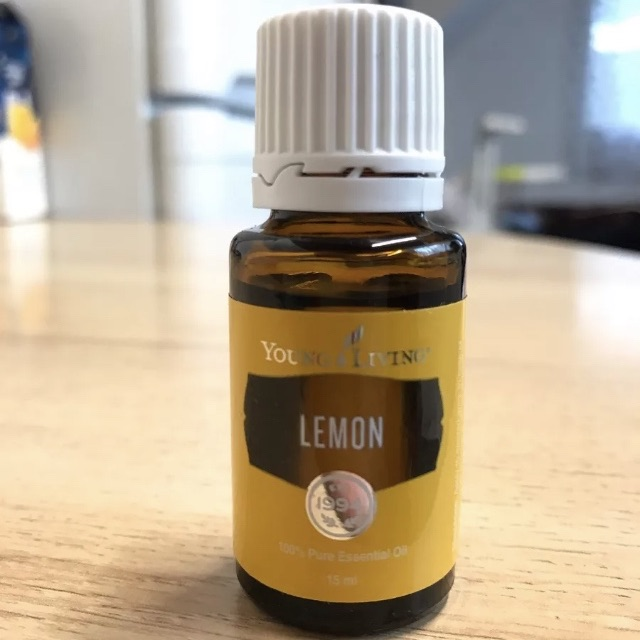 Young living Lemon 100% pure oil 15 mil