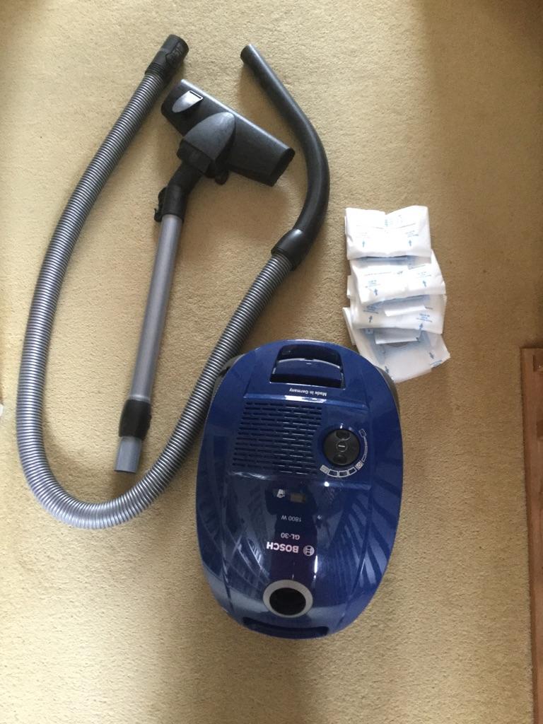 Bosch vacuum cleaner - £20