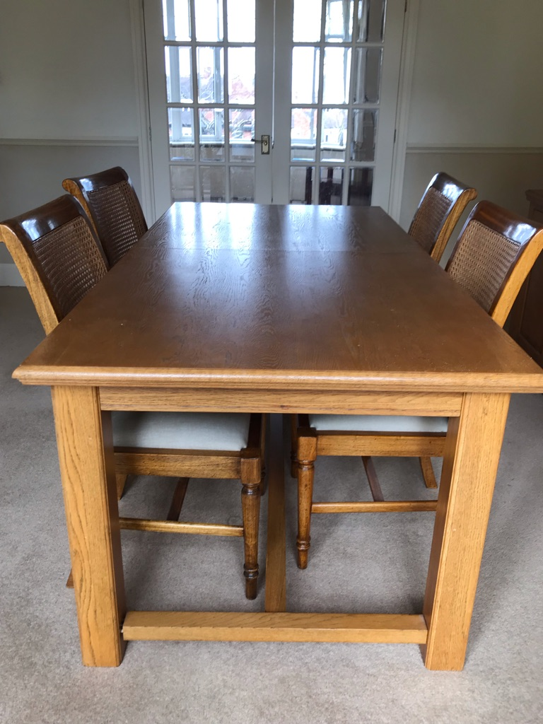 Solid oak dining set ***NEEDS TO GO***
