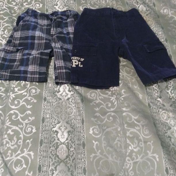 Boys size 6 shorts