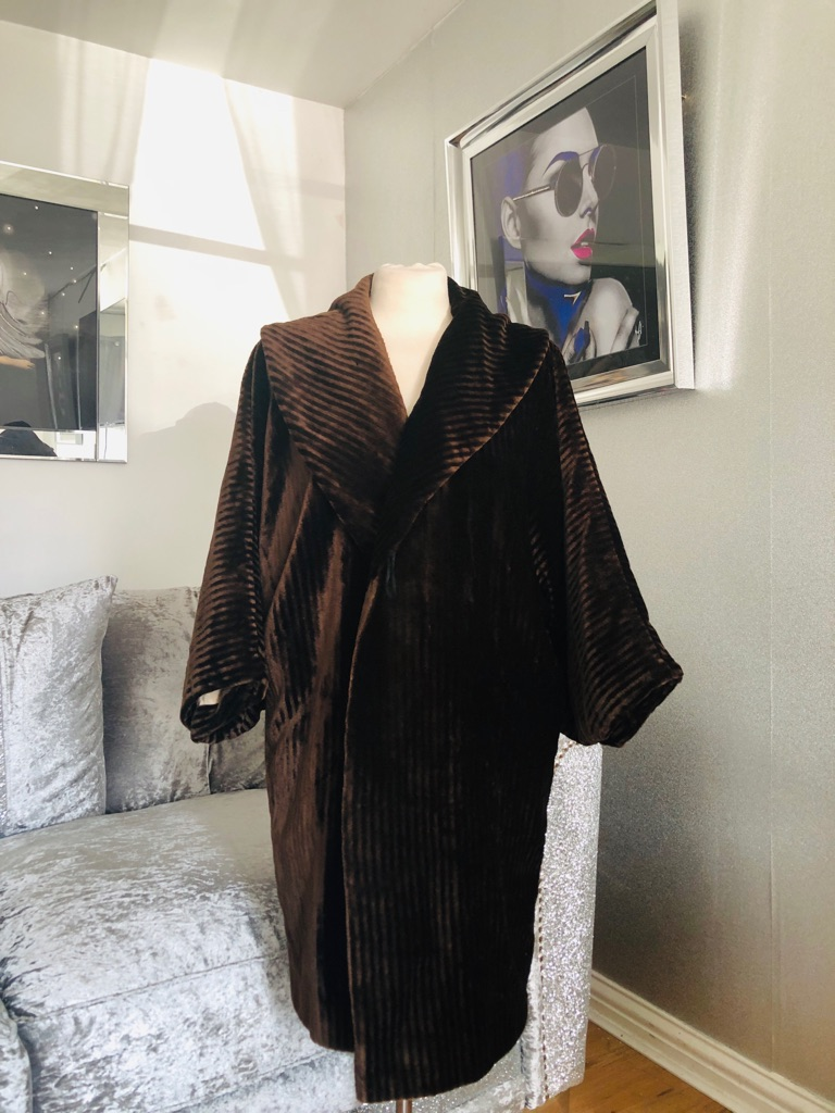 Women's brown vintage coat size 12/14