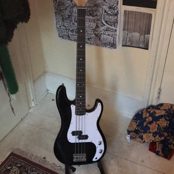 BRAND NEW unused Rockjam Bass Guitar w Strap, Amp, Stand and Case