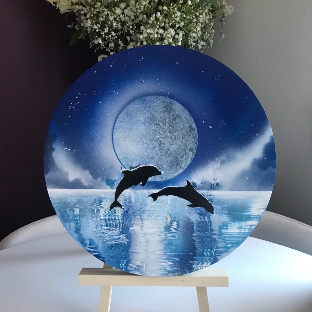 Spray painted dolphin picture