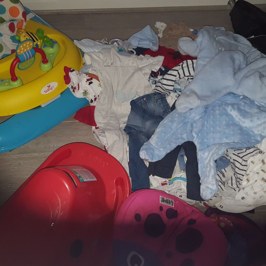 Bundle of baby stuff 0.9 mths