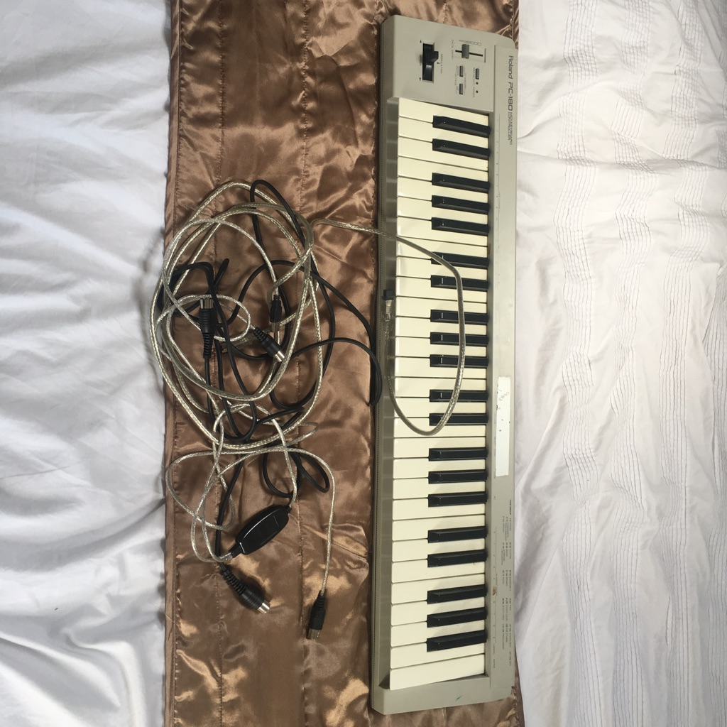 MIDI Keyboard with Leads