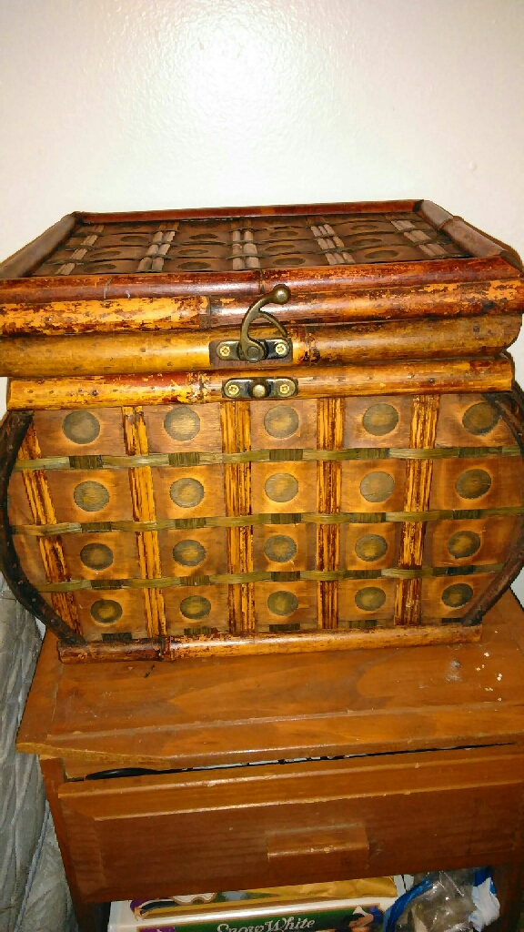 Wood woven chest