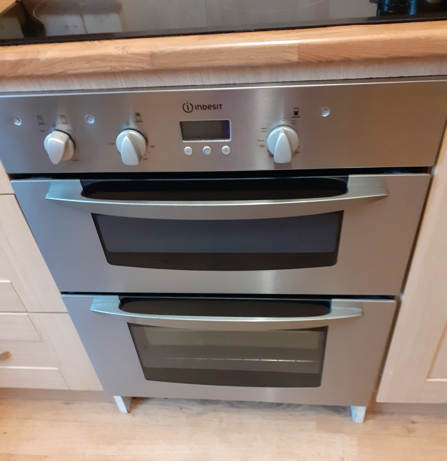 Indsit electric double oven