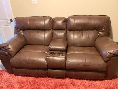 Catnapper Nolan Extra Wide Reclining Console Loveseat w/ Storage & Cupholder