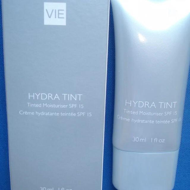 BNIB Virgin Vie Hydra Tint Moisturiser Light/Medium