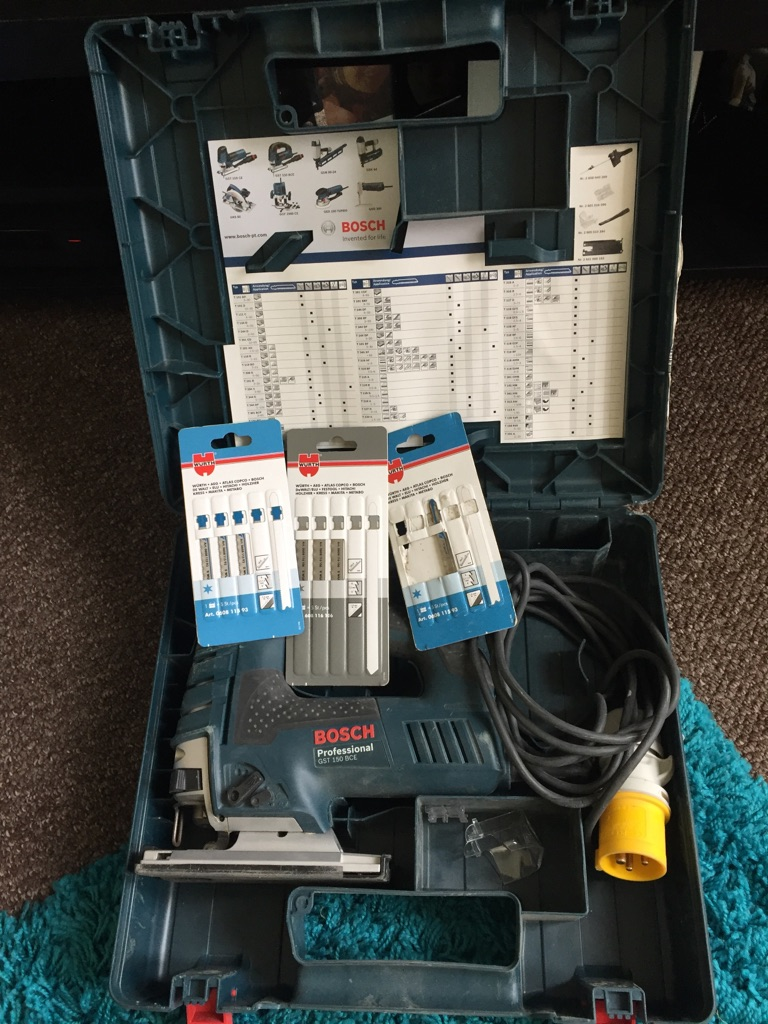 brand new Bosch jigsaw 110v. Professional GST 250 BCE comes with assorted blades