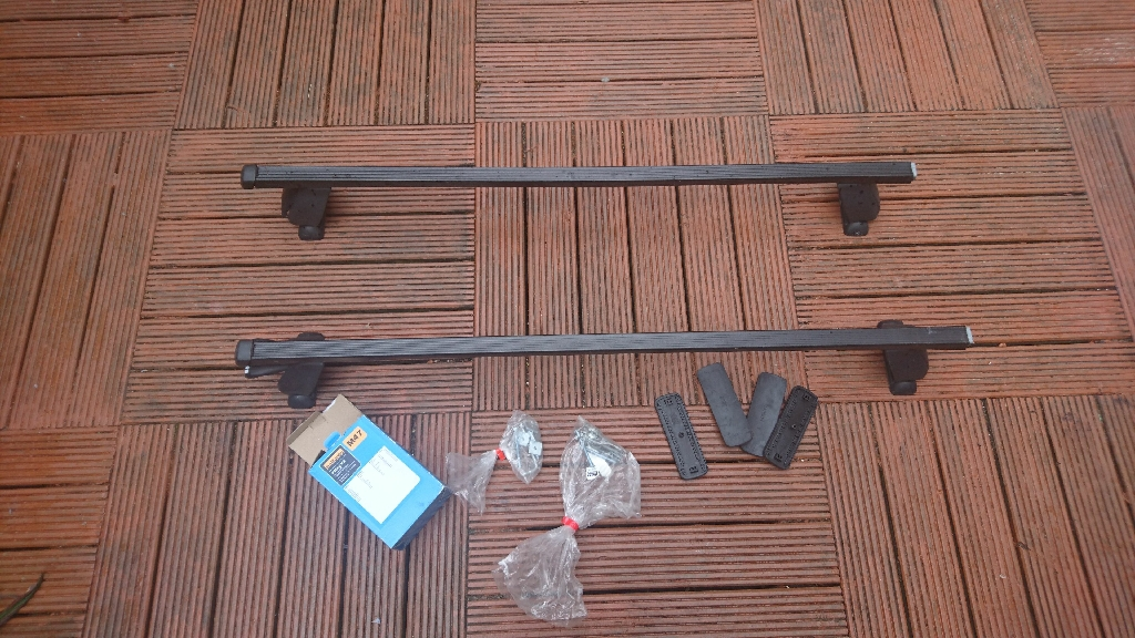 Halford roof rack and fittings - fits mondeo