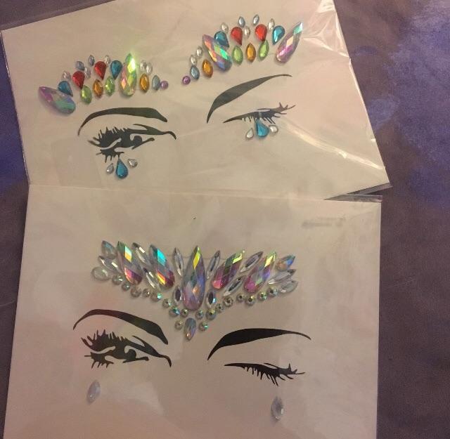 2x packets face gems