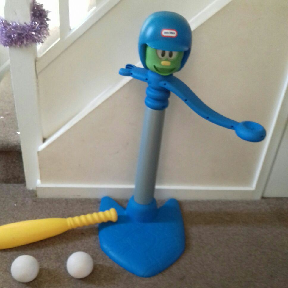 Little tikes bat and ball