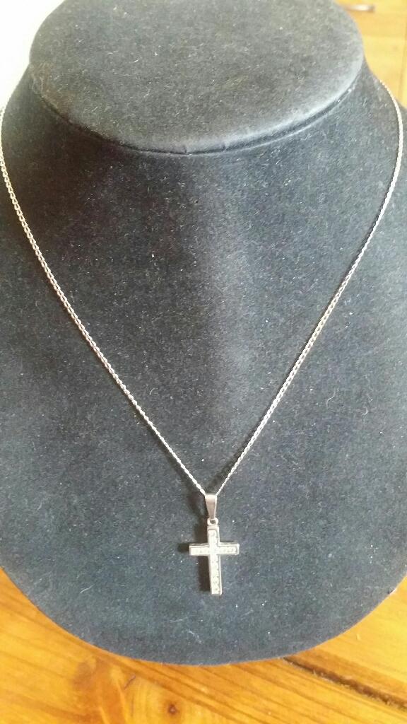 9ct white gold CZ Cross & Chain