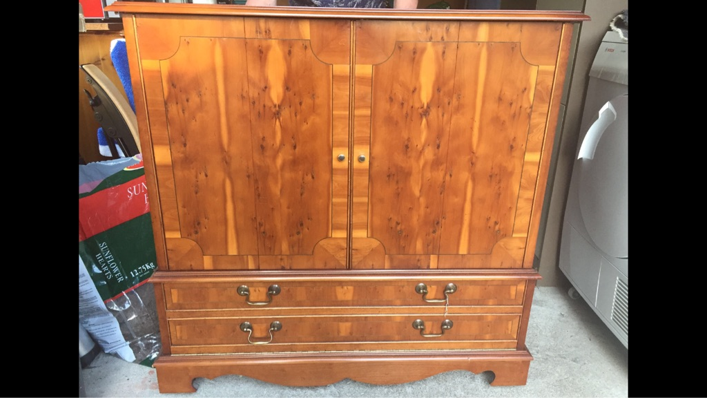 MultiYork tv cabinet in Yew