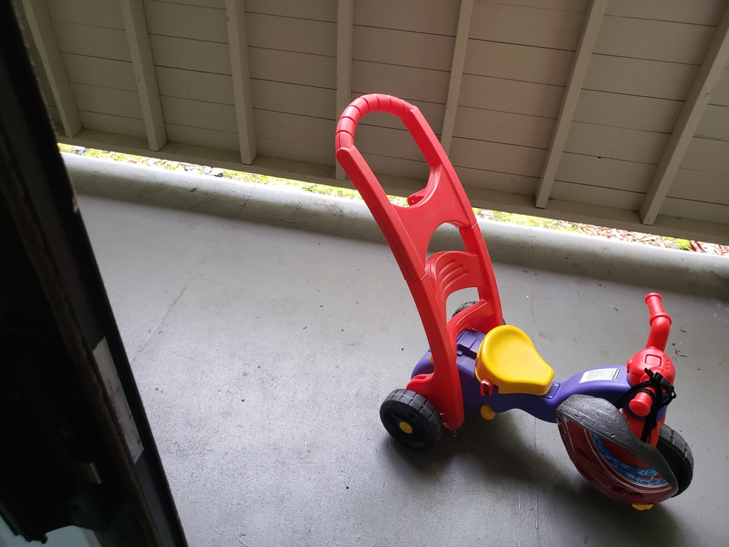 Tricycle with helmet