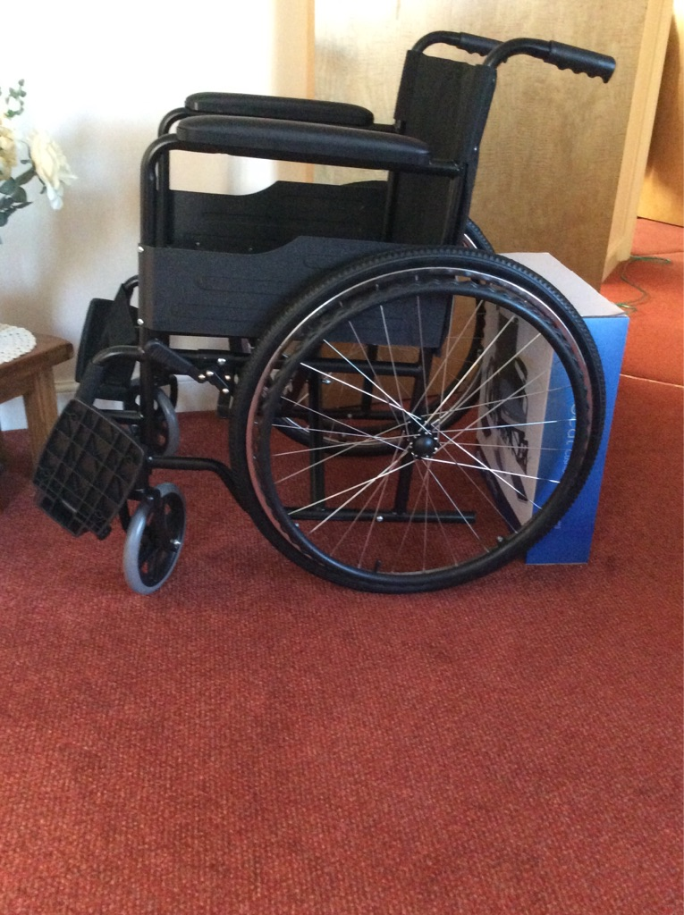 Wheelchair and gel cushion