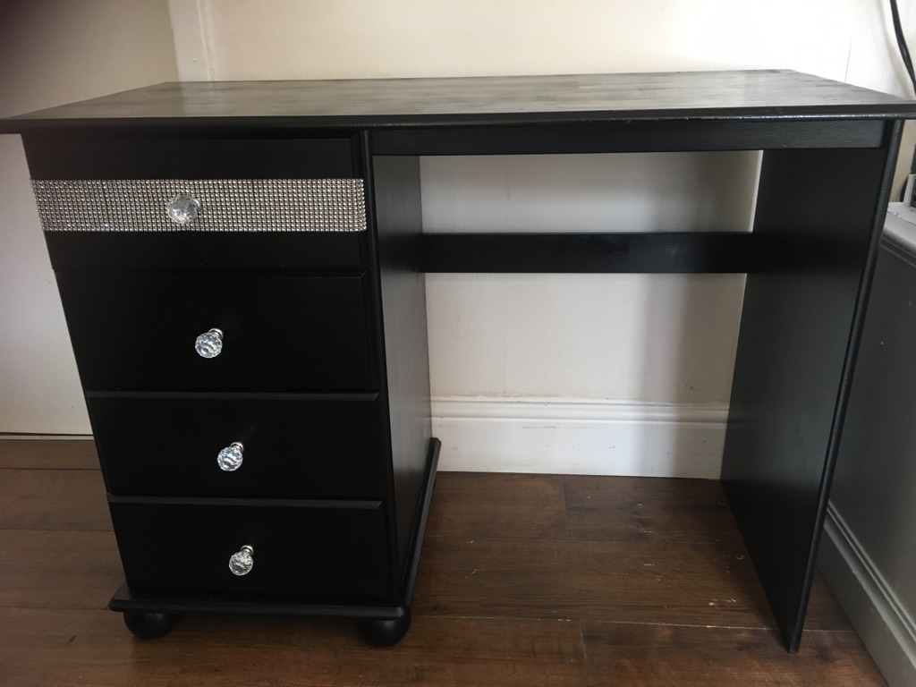 Black dressing table with diamond detail