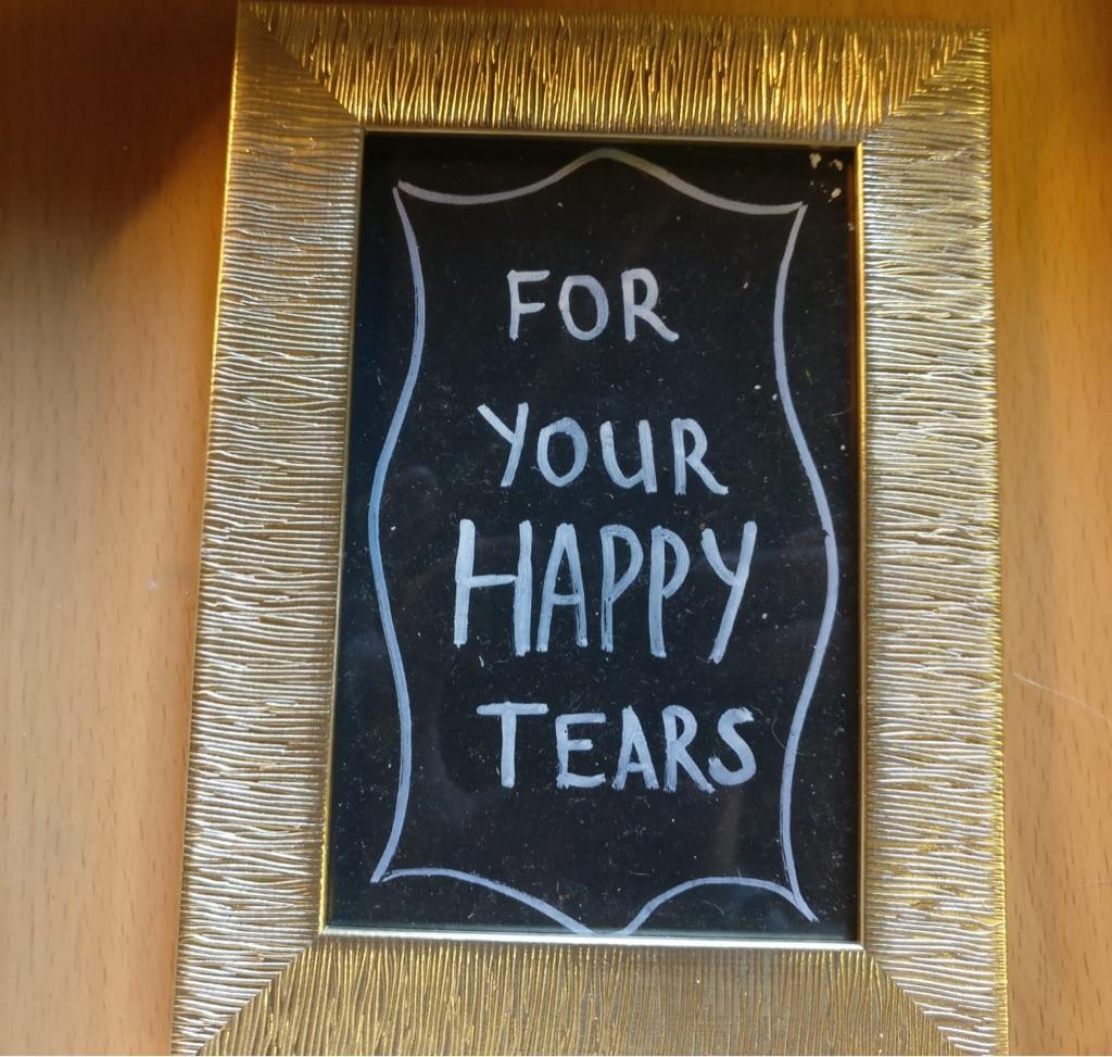 Wedding tissue sign