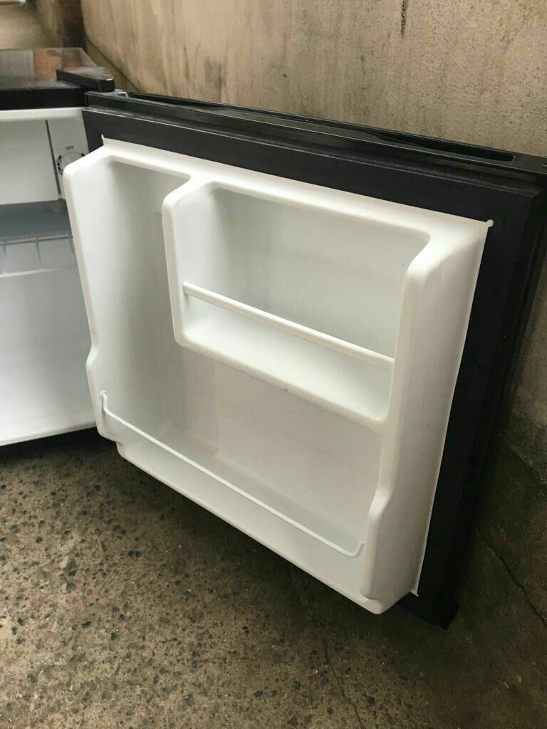 Russell Hobbs mini / table top fridge
