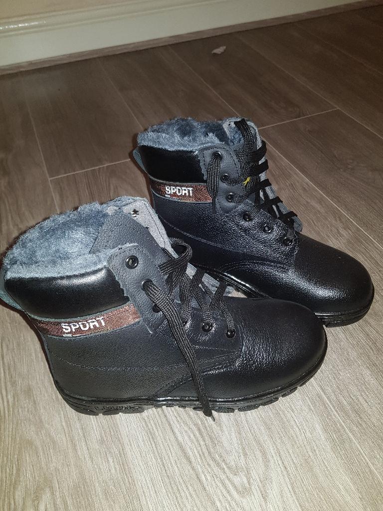 Ladies Steel toe cap boots size 5