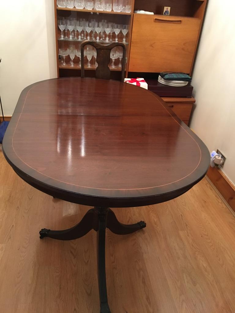 Oval Mahogany dining (used)