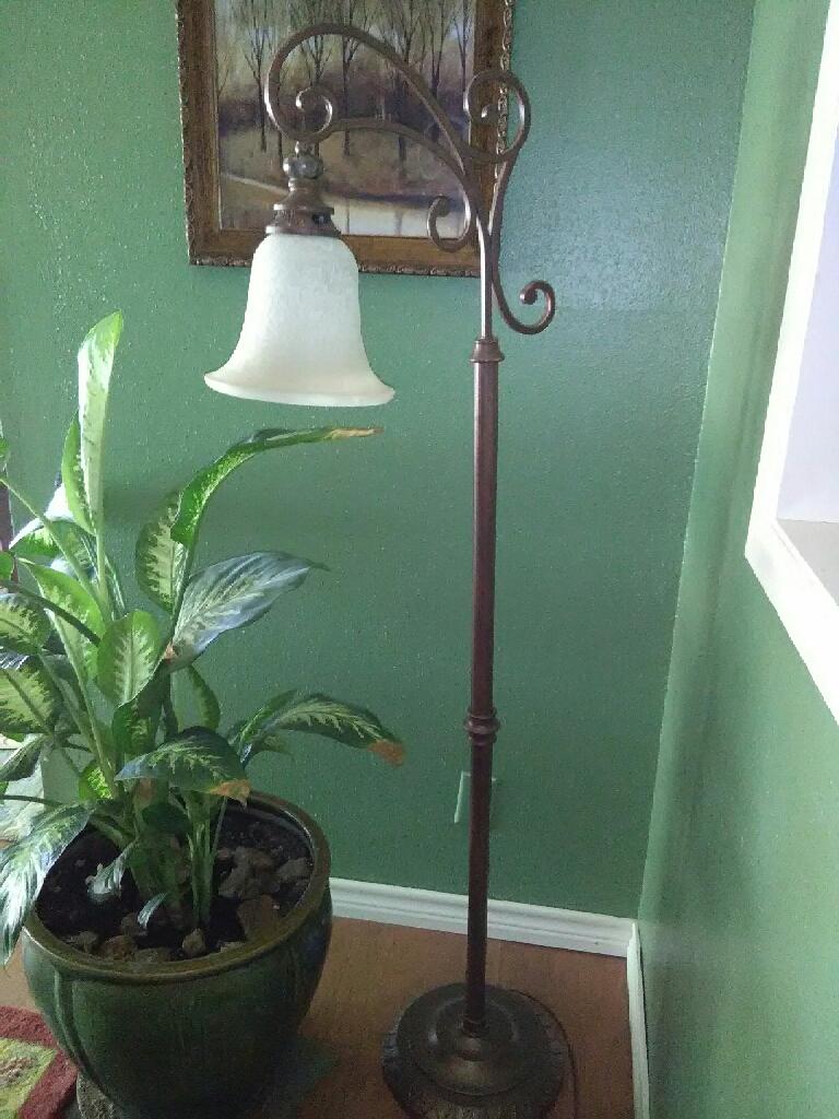 Fillagree Floor Lamp