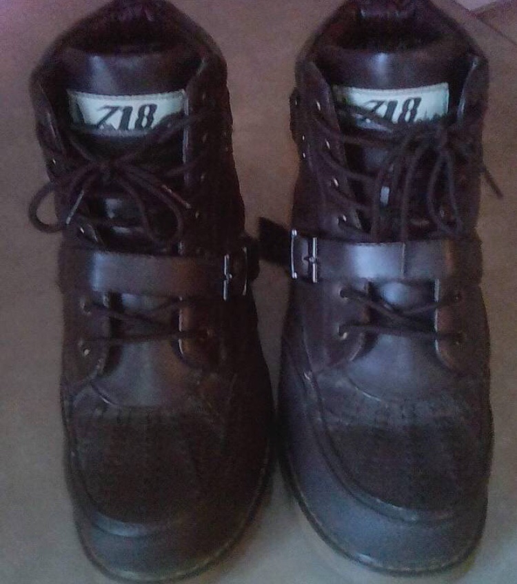 718 Black leather boots