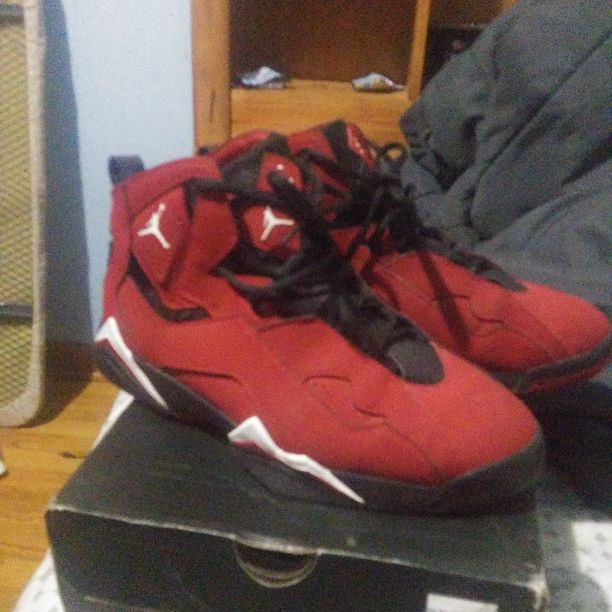 Red jordans true flight, size 9