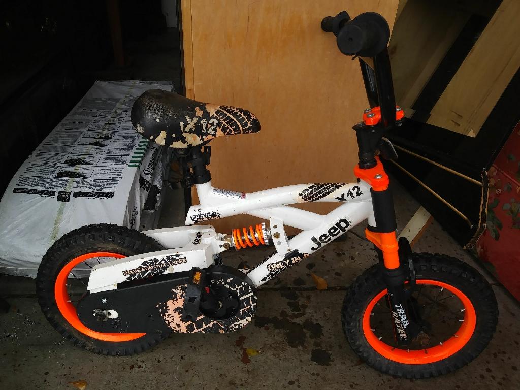 Boys jeep bike