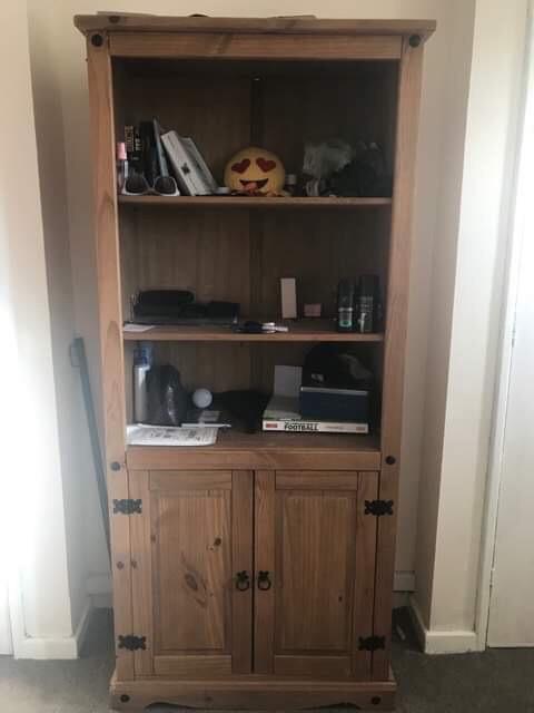 3x shelves wooden cabinet
