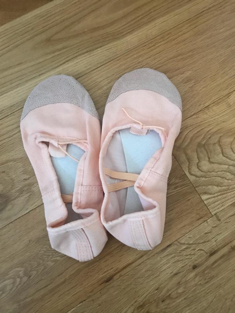 Pink canvas split sole ballet shoes - size 5.5