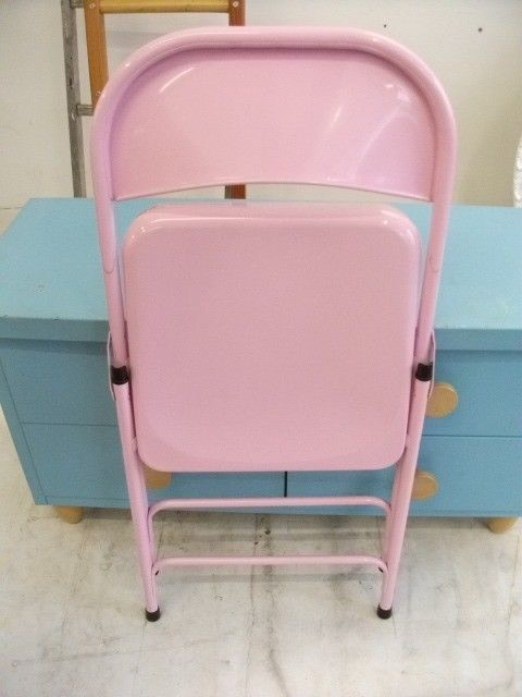 Pink foldable metal chair