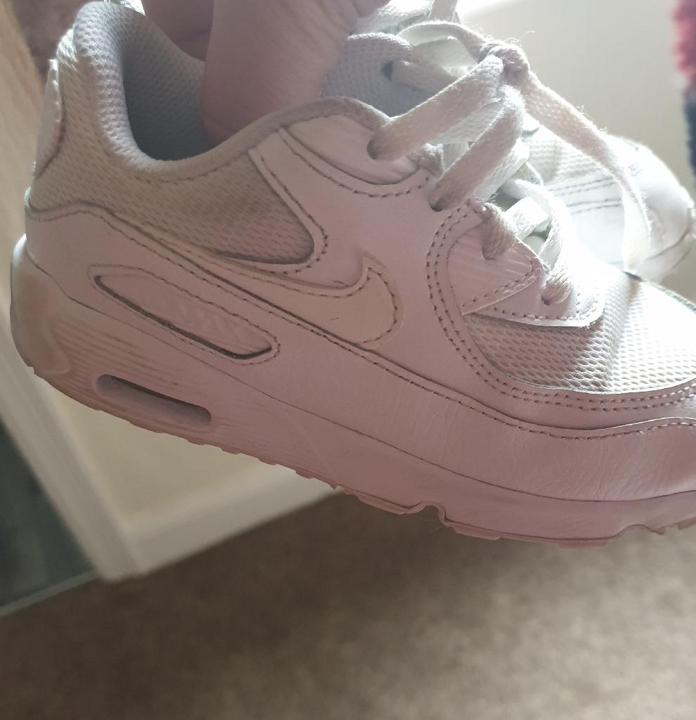 Kids Nike airs