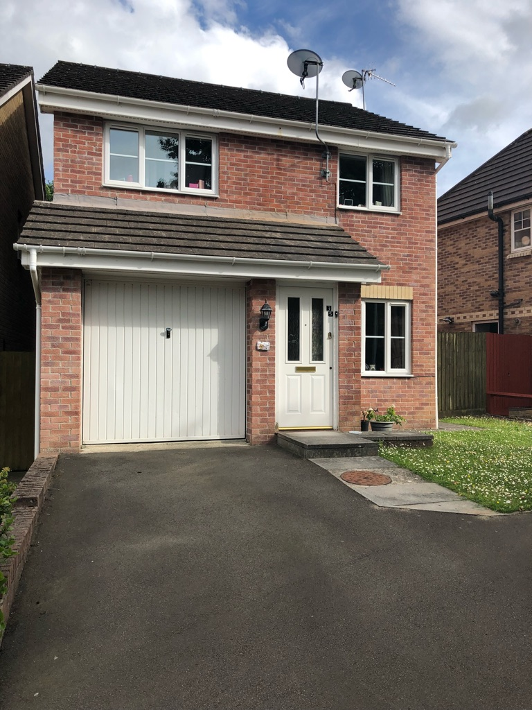 Double Ensuite Room to Rent in shared house