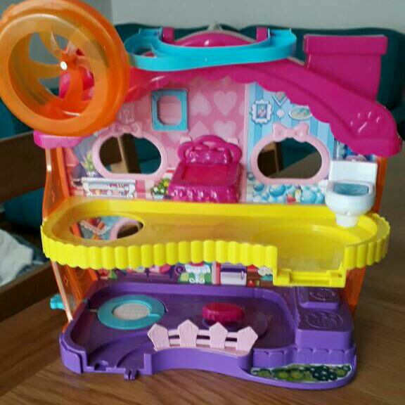Little live hamster house