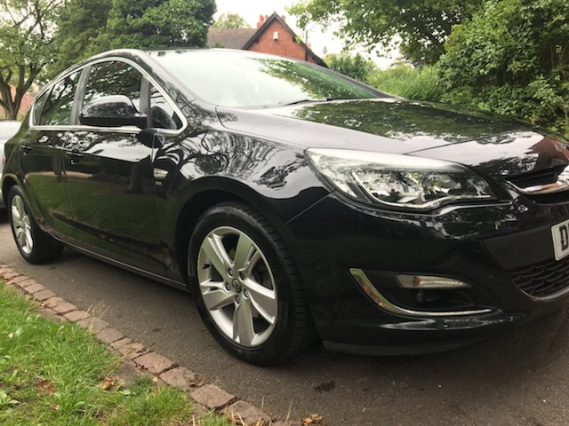 2013 Black Vauxhall Astra car for sale