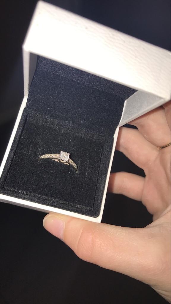 9 carat ring with 0.25 carat diamonds.