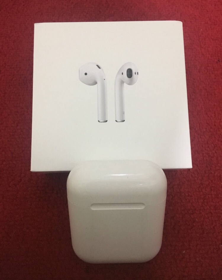 Airpods UNIVERSAL iOS/android (Bluetooth)