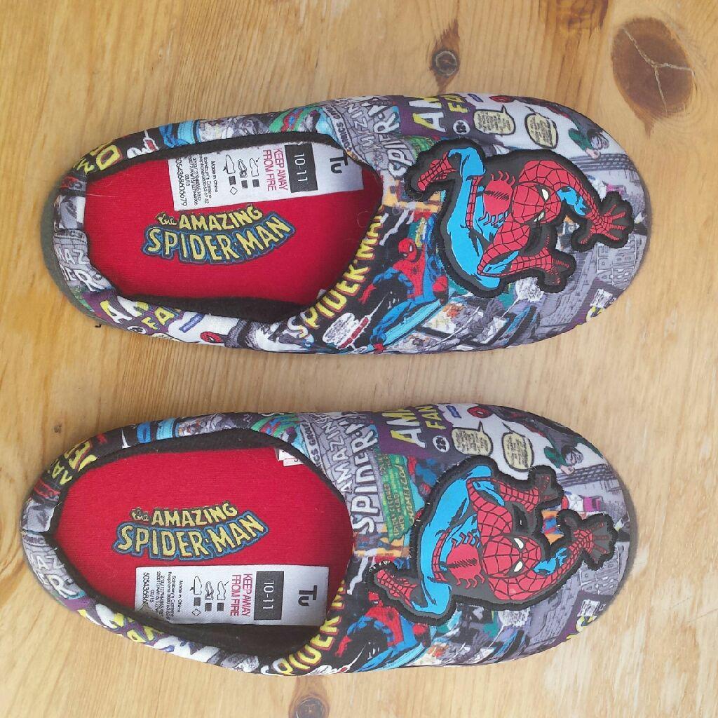 TU Spiderman slippers