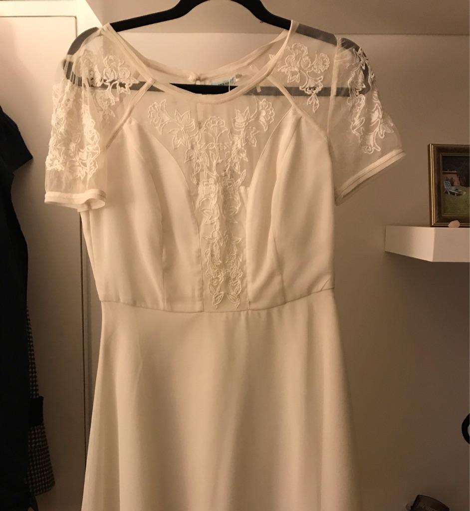 Kimchi urban outfitters white dress size 12 unworn