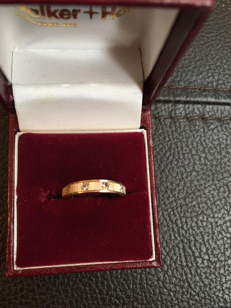 9ct 11 diamond stone ring
