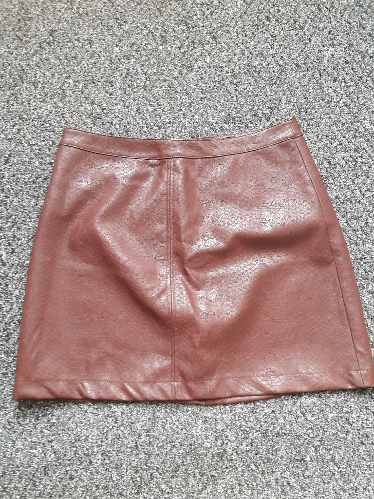 Ladies faux leather skirt BNWT size 14