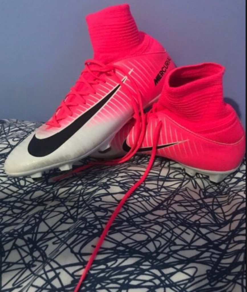 Pink and White Nike Mecurial size 4.5