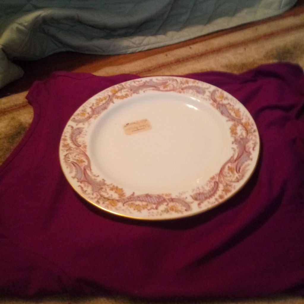 1 big plate white and pink