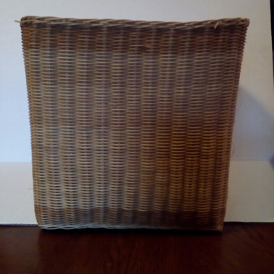 Cubed Shaped Wicker Basket