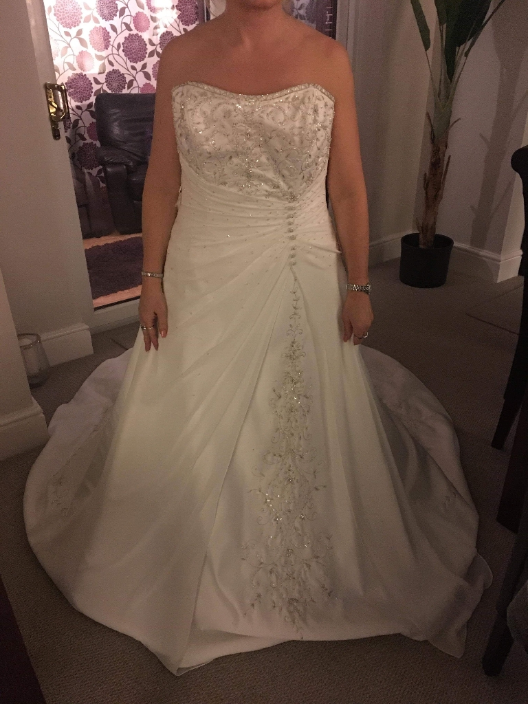Wedding dress, brand new with tags