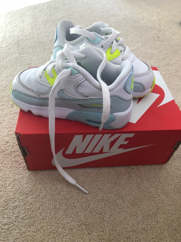 Nike toddler trainers