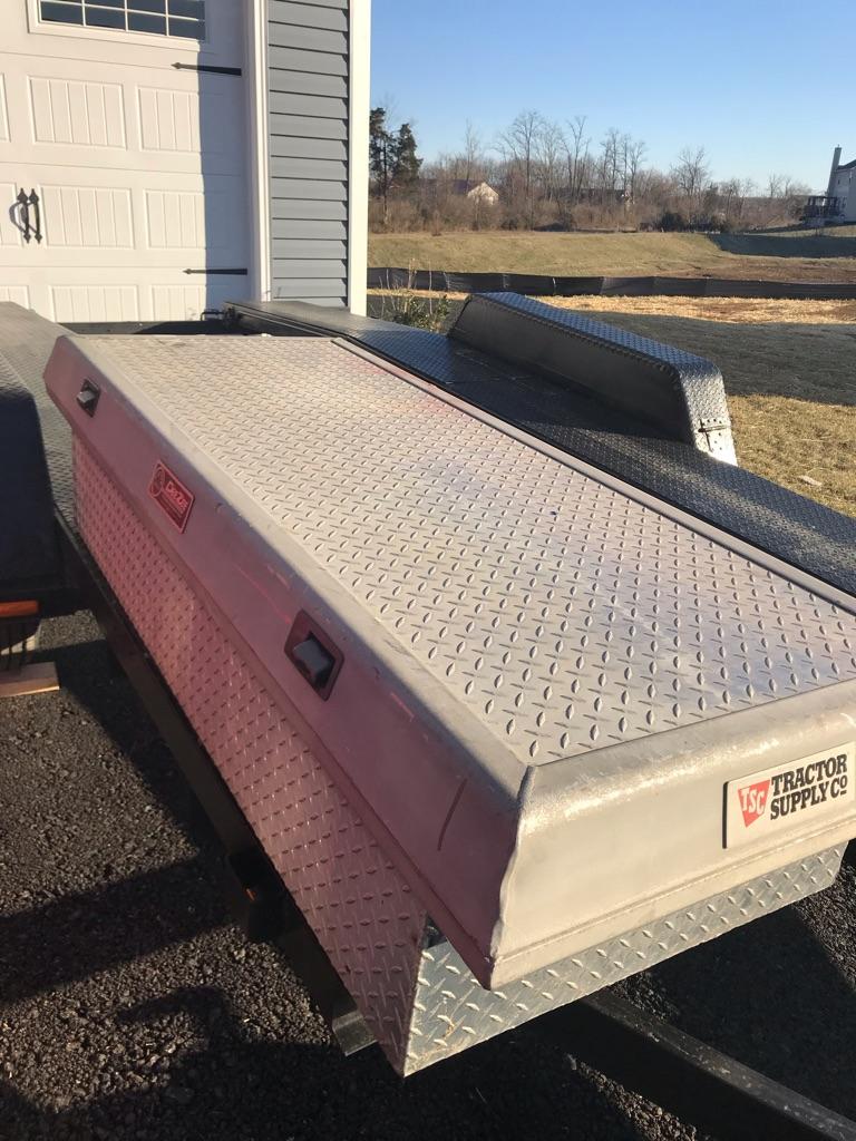 Used DeeZee Aluminum Truck Box 91733